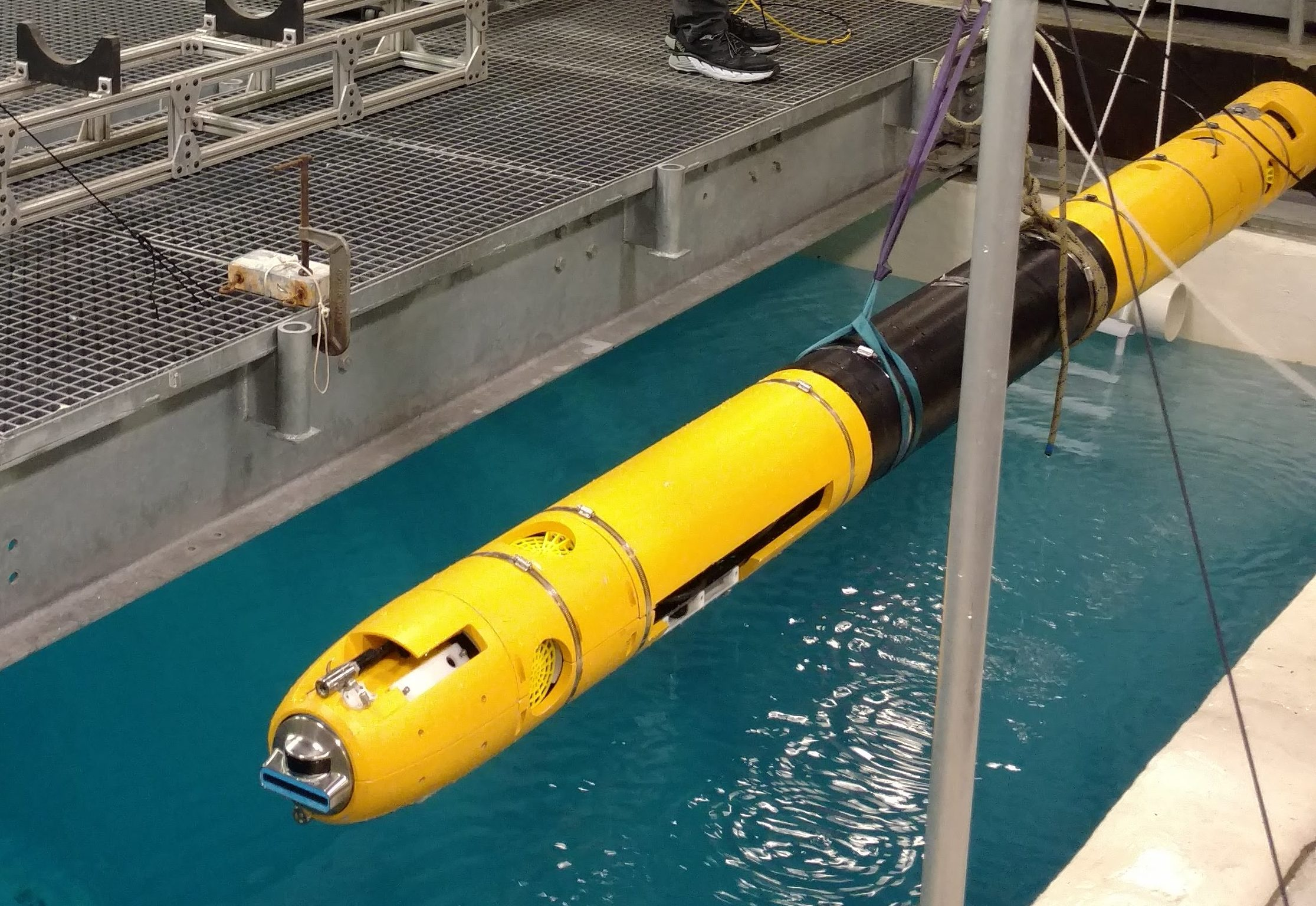 Icefin robot testing in a pool